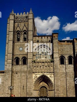 Spain, Castile and Leon, Avila. Cathedral of St. Salvador. Catholic church. It was started in the 12th century in Romanesque style and concluded in the 14th century in Gothic style. Main facade. - Stock Photo