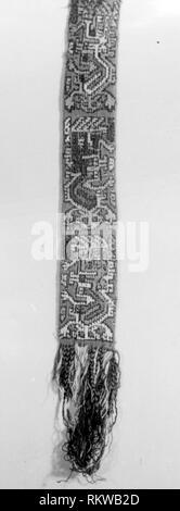 Band Fragment - A.D. 700/900 - Nazca-Wari Probably south coast, Peru - Artist: Nazca, Origin: Peru, Date: 700 AD-900 AD, Dimensions: 59.7 x 7.0 cm - Stock Photo