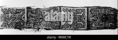 Band or Belt Fragment - A.D. 700/900 - Nazca-Wari Probably south coast, Peru - Artist: Nazca, Origin: Peru, Date: 700 AD–900 AD, Dimensions: 51.4 x - Stock Photo