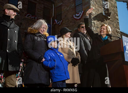 February 9. 2019 Lawrence, Massachusetts, USA: U.S. U.S. Senator Elizabeth Warren (D-MA) joined onstage by her family at a rally after announcing to launch her campaign for the 2020 Democratic presidential nomination in Lawrence. Credit: Keiko Hiromi/AFLO/Alamy Live News - Stock Photo