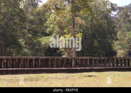 Siem Reap-Path to Baphuon Hindu temple - Stock Photo