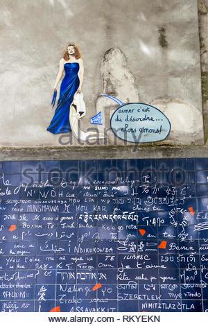 Le mur des Je T'Aime in Jean Rictus Square in Paris - Stock Photo