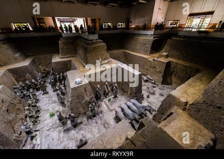 Vault 3 Excavation pits where work is still ongoing at the Terracotta Army of Emperor Qin Shi Huang, the first emperor of China. The Army was buried - Stock Photo