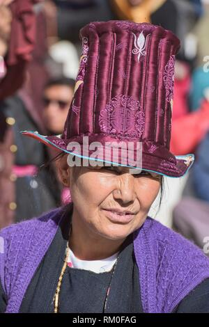Portrait of a Ladakhi woman in traditional dress, Leh, Ladakh, India. - Stock Photo