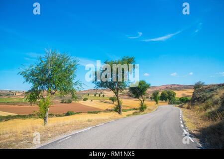 Side road. Hita, Guadalajara province, Castilla La Mancha, Spain. - Stock Photo