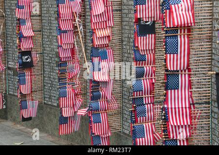 Washington Vietnam Veterans Memorial with American flag, State Capitol Mall, Olympia, Washington. - Stock Photo