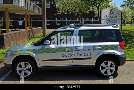 GP out of hours service car, Urgent Care 24,Cheshire and Merseyside Treatment Centre,  Halton Hospital, Runcorn, Cheshire, North West England WA7 2HH - Stock Photo