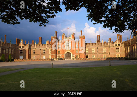 Hampton Court Palace, East Molesey, Surrey, England, UK - Stock Photo