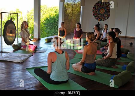 yoga class at the Sen Wellness Sanctuary, near Tangalle, South Coast of Sri Lanka, Indian subcontinent, South Asia. - Stock Photo
