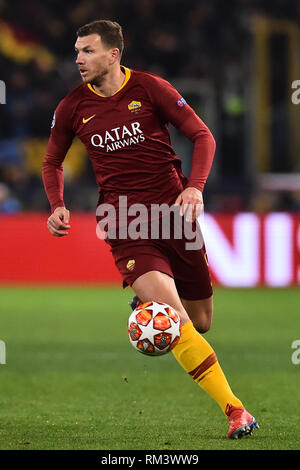 Rome, Italy. 13th Feb, 2019. Champions League Rome vs Porto Round of 16 1st leg, Rome, Italy - 12 Feb 2019 In the Picture Edin Dzeko Photo Photographer01 Credit: Independent Photo Agency/Alamy Live News - Stock Photo