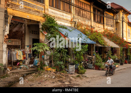Cambodia, Kampot Province, Kampot city, Street 703, unrestored decaying old French colonial buildings inOld Market area - Stock Photo