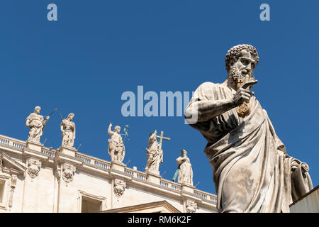 Saint Peter statue, St. Peter's Basilica, San Pietro in Vaticano, Papal Basilica of St. Peter in the Vatican, Rome, Italy - Stock Photo