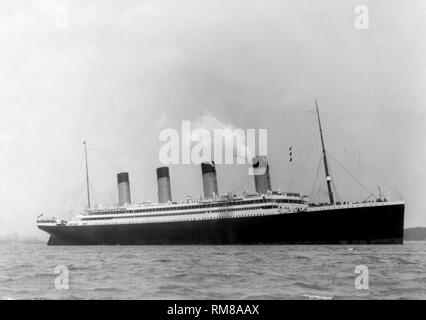 maiden voyage of the RMS olympic passenger ship, sister ship to the Titanic in 1911 showing the smaller number of lifeboats than she would carry after the titanic disaster - Stock Photo