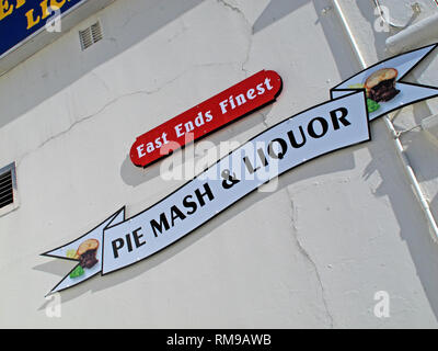 Southend, Waterfront Cafe, Fast Food, East Ends Finest Pie and Mash, Liquor, Fish & Chips, Roast Dinners, Southend Seafront, Essex, England, UK - Stock Photo