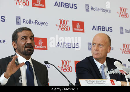 Hamburg, Germany. 3rd Nov, 2017. Head of Airbus Thomas Enders (R) and the chairman of the Emirates Group, sheik Ahmed bin Saeed Al Maktoum speak during a press conference at the airbus factories in Hamburg, Germany, 3 November 2017. An official ceremony will see the 100th airbus A380 delivered to the airline Emirates from Dubai. Emirates is one of the largest clients for the Airbus A380. Credit: Christian Charisius/dpa | usage worldwide/dpa/Alamy Live News - Stock Photo