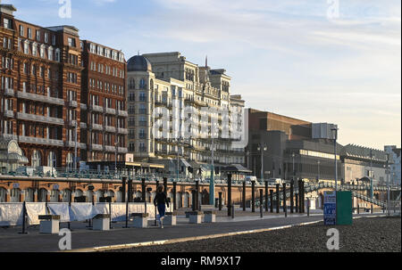 Brighton, UK. 14th Feb, 2019. A beautiful sunny morning on Brighton seafront as mild warm weather is forecast to spread across Britain with temperatures expected to reach the mid teens centigrade in some areas Credit: Simon Dack/Alamy Live News - Stock Photo