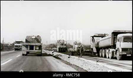 Yugoslavia, Autoput: From the mid-1985, it should be reality, on the highway from Zagreb to Greece. Three-lane motorway with breakdown lane, this new road is in conformity with our highways, October 1982. - Stock Photo