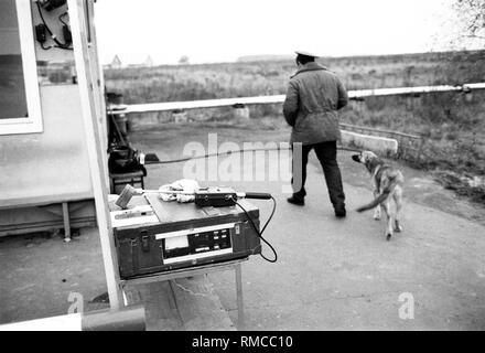 Control station at the uninhabitable 30 km Zone around the Chernobyl disaster reactor. - Stock Photo