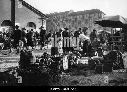 balon market, turin, piemonte, italy 1910-20 - Stock Photo
