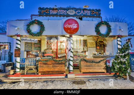 Round Top, Texas, United States of America - December 27, 2016. Exterior view of Royers Cafe in Round Top, TX, at night. - Stock Photo