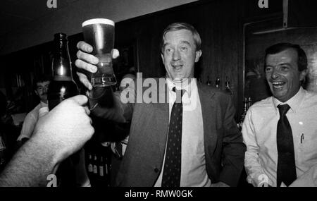 Former Massachusetts Governor Bill Weld announced he will run against President Donald Trump for the Republican Presidential nomination in 2020. in this photo Massachusetts  Governor Bill Weld (R) lifts a pint of Bass Ale with Jerry Foley (right) during a campaign event at Foley's Tavern in Boston Ma USA photo by bill Belknap 1995 - Stock Photo