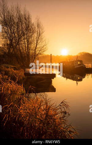 Sunrise on the River Trent at Gunthorpe in Nottinghamshire, England - Stock Photo