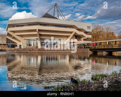 Central Hall and lake at York University, UK. Example of Brutalist Architecture from the 1960's - Stock Photo