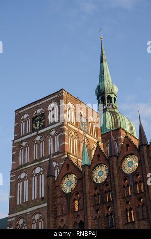 St. Nikolaikirche am Alten Markt, Stralsund, Mecklenburg-Vorpommern, Deutschland - Stock Photo