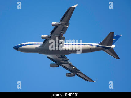 London Heathrow, UK. 19th Feb 2019. British Airways Boeing 747-436 aircraft (100 Retro-in old BOAC livery) taking off from Heathrow Airport, Greater London, England, United Kingdom Credit: Greg Balfour Evans/Alamy Live News