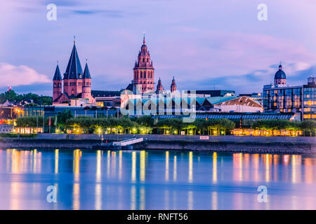 Mainz cityscape in the blue hour in the evening light with cathedral, Dom of Mainz - Stock Photo