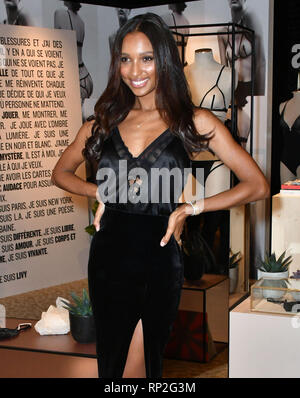 London, UK. 20th Feb, 2019. Supermodel and Victoria's Secret Angel Jasmine Tookes visits Victoria's Secret New Bond Street, alongside LIVY founder, Lisa Chavy to celebrate Victoria's Secret introducing LIVY Credit: Nils Jorgensen/Alamy Live News - Stock Photo