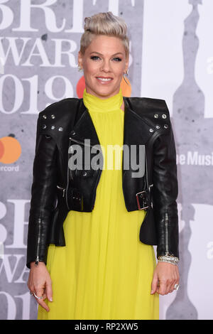 London, UK. 20th Feb, 2019. LONDON, UK. February 20, 2019: Pink arriving for the BRIT Awards 2019 at the O2 Arena, London. Picture: Steve Vas/Featureflash *** EDITORIAL USE ONLY *** Credit: Paul Smith/Alamy Live News - Stock Photo