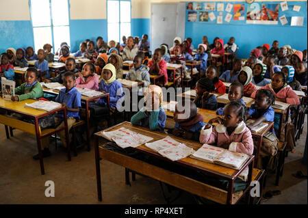 NIGER Zinder, children in school  NIGER Zinder, Kinder in einer Schule - Stock Photo