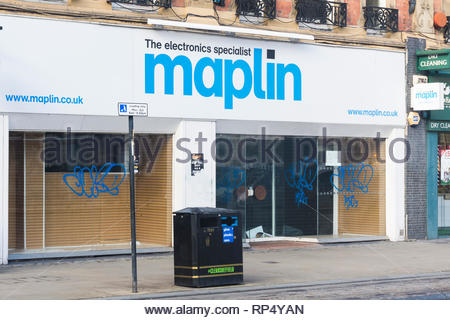 A closed and empty Maplin electronics store in Sheffield, South Yorkshire, England, UK - Stock Photo