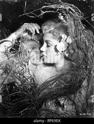 Jean Simmons as Ophelia HAMLET 1948 Laurence Olivier director and star William Shakespeare Photo by Wilfrid Newton Two Cities Films / General Film Distributors - Stock Photo