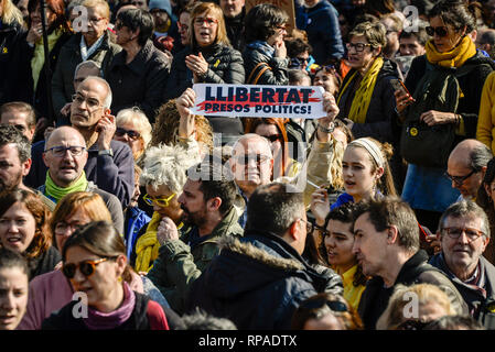 Barcelona, Spain. 21st Feb, 2019. Under the leadership of the largest organizations and trade unions, hundreds of thousands marched in the Universitat Square during the general strike in Catalonia. The separatist parties, together with associations and trade unions, have called for a strike to protest against the trial of twelve separatist leaders before the Supreme Court in Madrid. Credit: Nicolas Carvalho Ochoa/dpa/Alamy Live News - Stock Photo