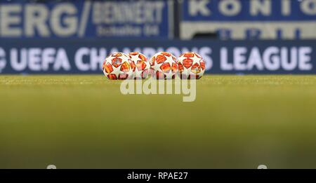 Gelsenkirchen, Deutschland. 20th Feb, 2019. firo: 20.02.2019, Football, 2018/2019, CL, CHL, Champions League, Round of 16, First leg, FC Schalke 04 - Manchester City, 2: 3 depository, Background, Feature, Ball logo, Adidas, Icon, Match ball, | usage worldwide Credit: dpa/Alamy Live News - Stock Photo