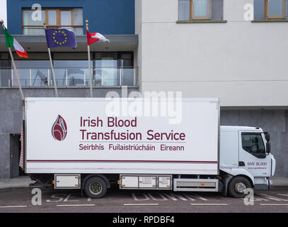 Irish Blood Transfusion Service vehicle parked outside a donor centre - Stock Photo
