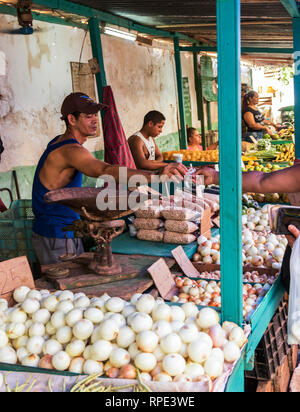 Havana, Cuba - 25 July 2018: Shopping at an outdoor market for produce in Old Havana Cuba. - Stock Photo