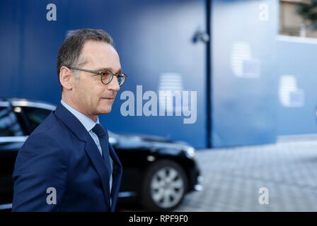 18 February 2019, Belgium, Brüssel: 18.02.2019, Belgium, Brussels: German Minister of Foreign Affairs Heiko Josef Maas is talking to media as he arrives for a Foreign Affairs Council at the Europa, the EU Council headquarter in Brussels on February 18, 2019 The Foreign Ministers are expected to discuss international issues such as the situation in the Democratic Republic of Congo, Syria, Venezuela and the Horn of Africa. - NO WIRE SERVICE Photo: Thierry Monasse/dpa - Stock Photo