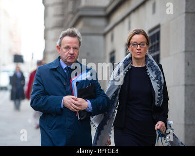 London, UK. 22nd Feb, 2019. Pilot Andrew Hill arrives at the Old Bailey, London, on the eighth day of his defence after his plane crashed at the Shoreham Air Show. He denies 11 counts of manslaughter by gross negligence when his Hawker Hunter jet crashed on 22 August 2015. He has told the court that he has no memory of his plane crashing at the Shoreham Air Show or of the days leading up to it. 11 men were killed in the crash on the A27 when Mr Hill failed to complete an aerobatic manoeuvre. He denies allegations of thrill seeking. Credit: Tommy London/Alamy Live News - Stock Photo