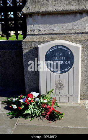 London, England, UK. Memorial to PC Keith Palmer GM (George Medal) murdered in the grounds of the Houses of Parliament 22nd March 2017. Unveilled by t - Stock Photo