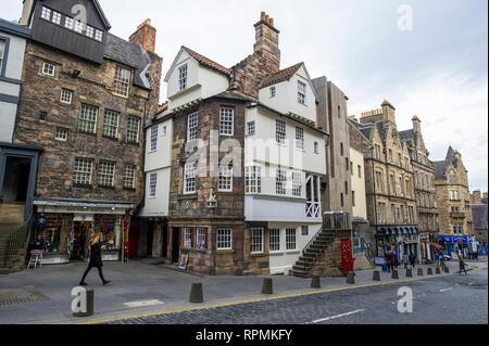 John Knox House & the Scottish Storytelling Centre in High Street The Royal Mile Edinburgh Scotland. - Stock Photo