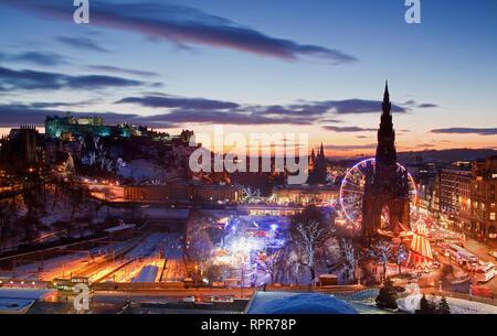 Edinburgh Castle in winter, Scotland - Stock Photo