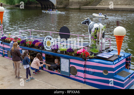 The Full Moo Ice Cream Boat moored on the River Ouse, City of York, UK. - Stock Photo
