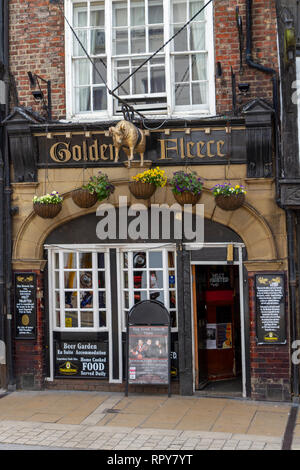 The Golden Fleece public house, York's most haunted pub, in the City of York, Yorkshire, UK. - Stock Photo