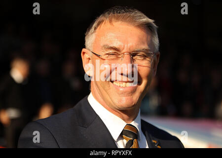 London, UK. 23rd Feb, 2019. Hull City Manager Nigel Adkins cracks a smile as he looks on. Griffin Park on Saturday 23rd February 2019 . this image may only be used for Editorial purposes. Editorial use only, license required for commercial use. No use in betting, games or a single club/league/player publications. pic by Steffan Bowen/Andrew Orchard sports photography/Alamy Live news Credit: Andrew Orchard sports photography/Alamy Live News - Stock Photo