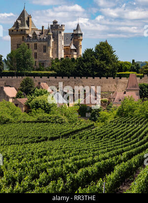 Chateau de Montfort - a castle in the French commune of Vitrac in the Dordogne region of France. - Stock Photo