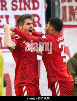 Munich, Germany. 23rd February, 2019. Javi MARTINEZ, FCB 8 celebrates his goal for 1-0 , happy, laugh, celebration, 1-0 Serge GNABRY, FCB 22  FC BAYERN MUNICH - HERTHA BSC BERLIN  - DFL REGULATIONS PROHIBIT ANY USE OF PHOTOGRAPHS as IMAGE SEQUENCES and/or QUASI-VIDEO -  1.German Soccer League , Munich, February 23, 2019  Season 2018/2019, matchday 24, FCB, München,  © Peter Schatz / Alamy Live News - Stock Photo
