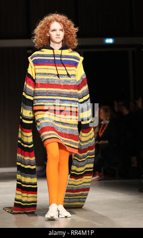 Milan, Italy. 24th Feb, 2019. A model presents a creation for Angel Chen during Milan Fashion Week Autumn/Winter 2019-20 in Milan, Italy, Feb. 24, 2019. Credit: Cheng Tingting/Xinhua/Alamy Live News - Stock Photo